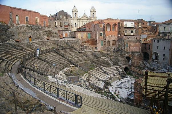 罗马剧院和排练场旅游图片