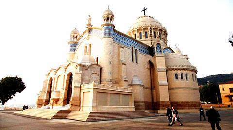 非洲圣母院