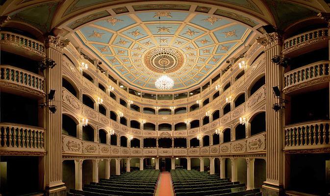 瓦莱塔蒙诺剧院旅游图片