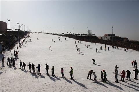 白鹿原滑雪场的图片