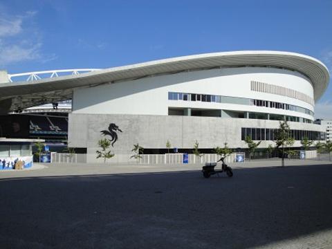巨龙球场旅游景点图片