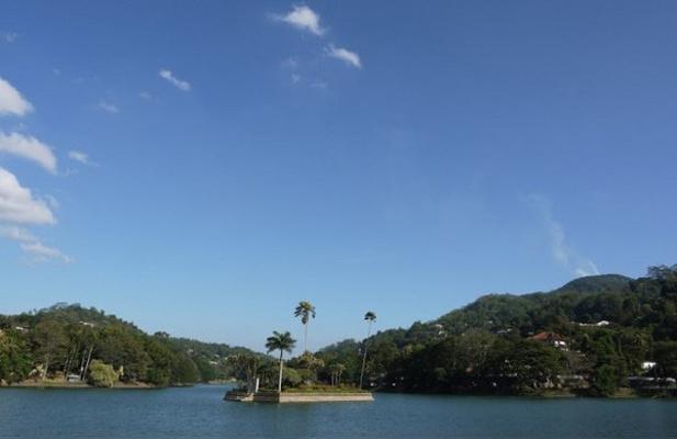 康提湖旅游图片