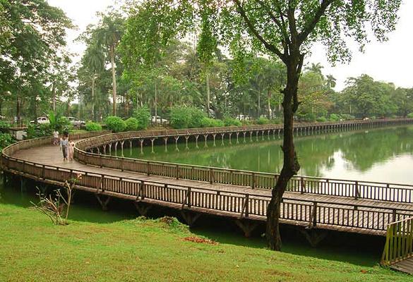 皇家湖公园旅游图片