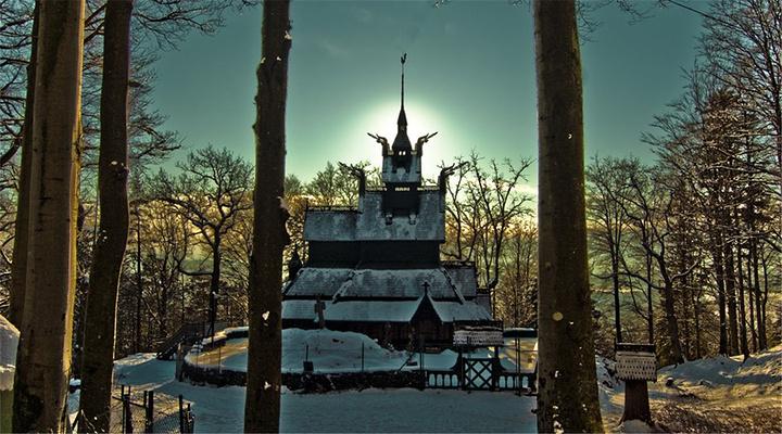 凡托特木板教堂旅游图片