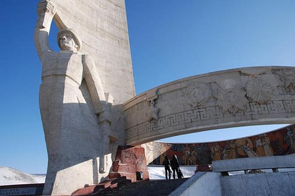 翟山抗日纪念碑旅游图片