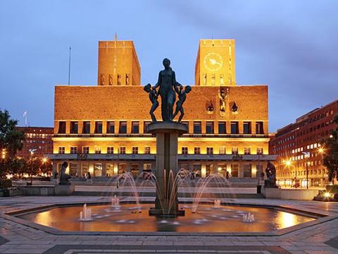 奥斯陆市政厅的图片
