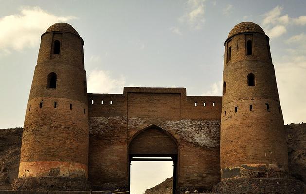 伊萨尔古城旅游图片