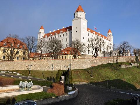 布拉迪斯拉发城堡旅游景点图片