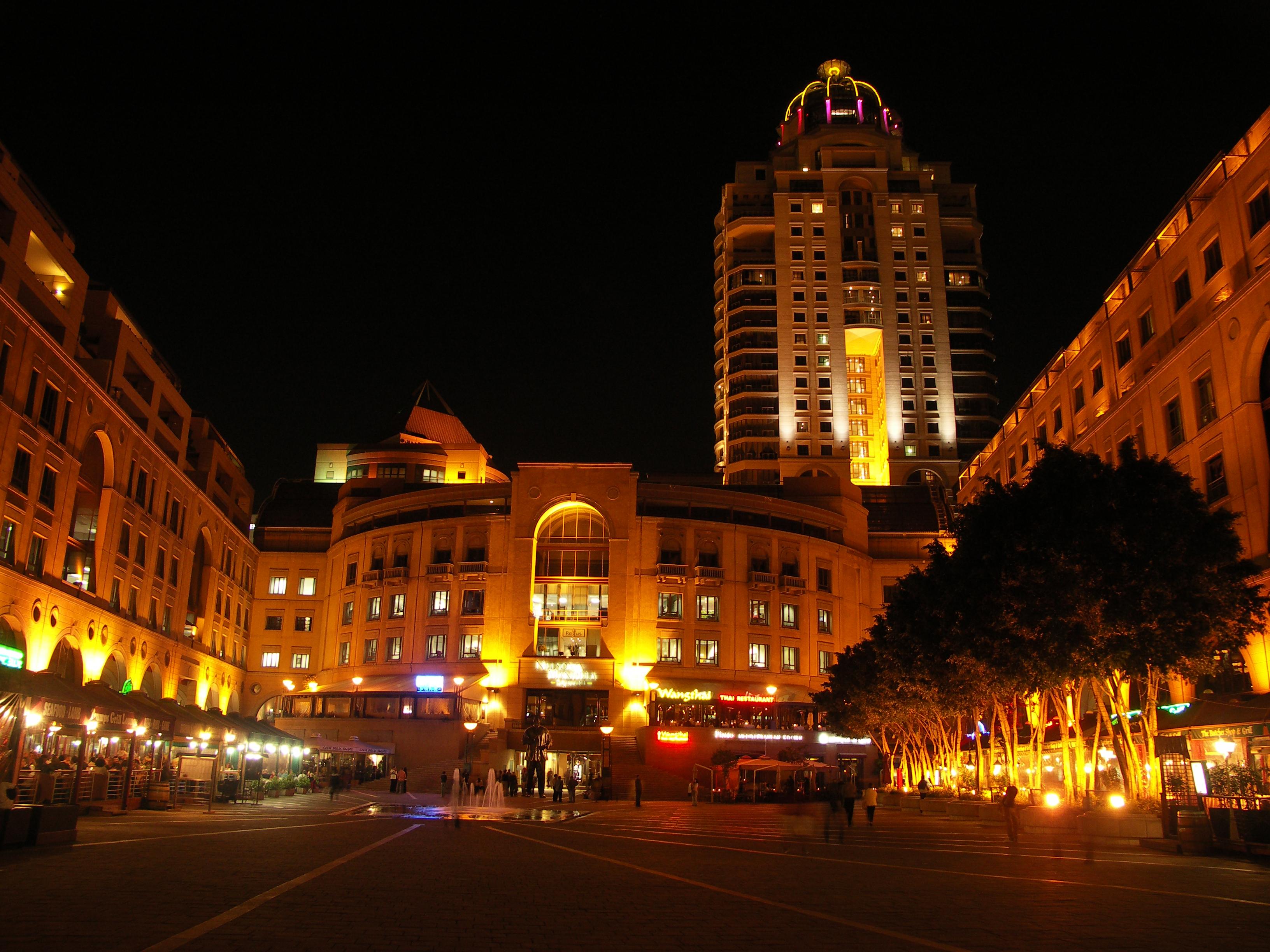 曼德拉广场