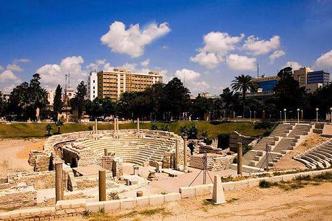 亚历山大罗马剧场