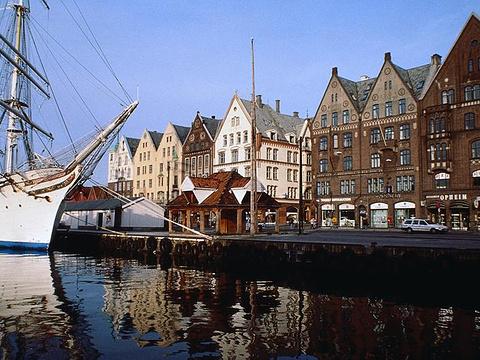布吕根海尼赛提克码头旅游景点图片