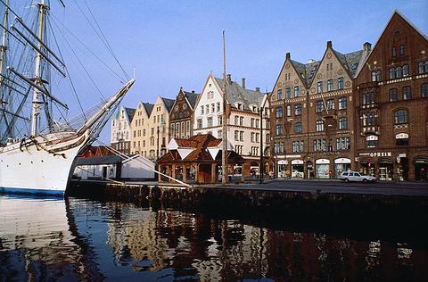 布吕根汉萨码头
