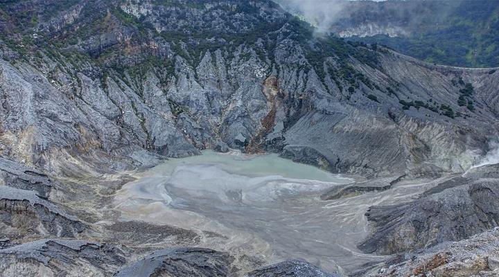 覆舟火山旅游图片