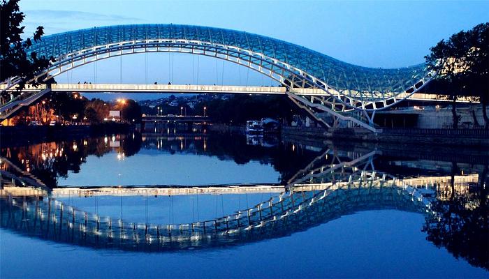 和平之桥旅游图片