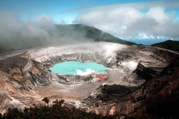 波阿斯火山国家公园旅游图片