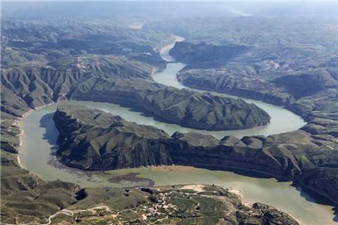 青铜峡黄河大峡谷的图片