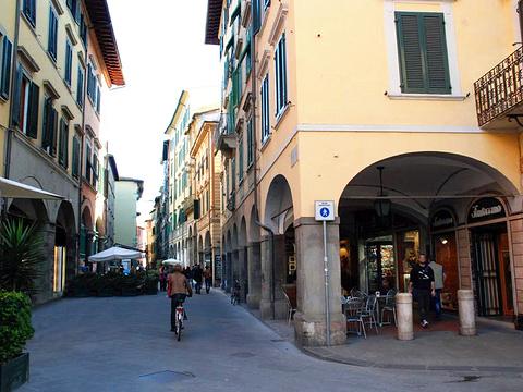 Borgo Stretto旅游景点图片