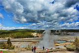 黄石公园间歇喷泉区