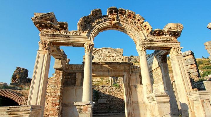 哈德良神庙旅游图片