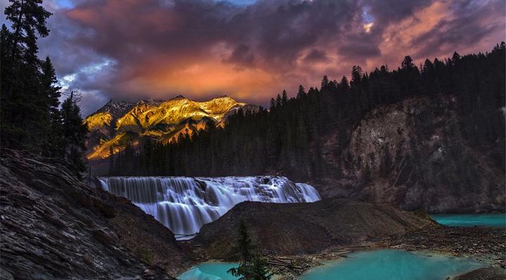 瓦普塔瀑布旅游图片