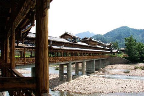 龙山风雨桥