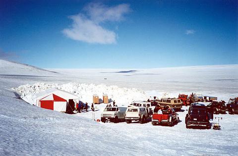 瓦特纳冰原