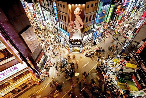 弘大购物区的图片
