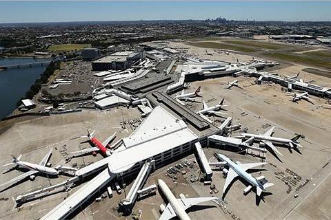 金斯福德史密斯机场的图片