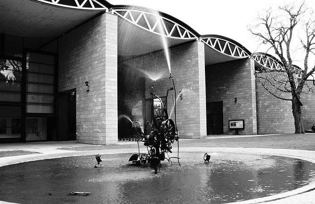 丁格利喷泉旅游图片