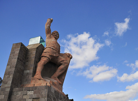 Pipila雕像