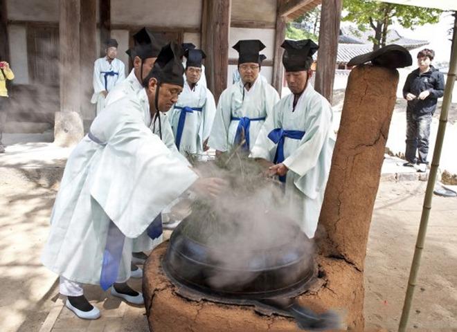 江陵端午祭(Gangneung Danoje Festival)