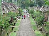 巴图布兰文化村