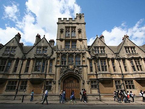 牛津大学布雷齐诺斯学院旅游景点图片