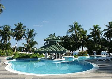 马尔代夫赤道度假酒店(Equator Village Resort Maldives)