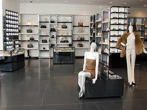 Versace(米兰店)旅游景点图片