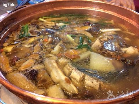 抚仙湖铜锅鱼野菌园