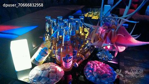 北京青年休闲酒吧
