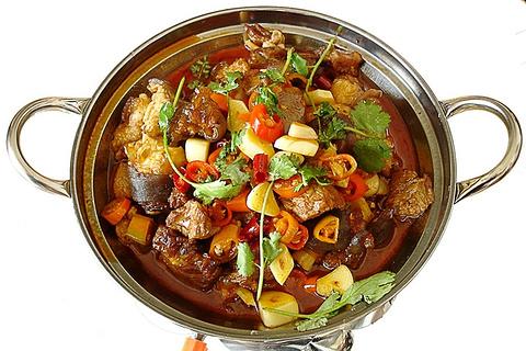 干锅焖羊腿