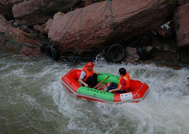 金峰峡谷漂流