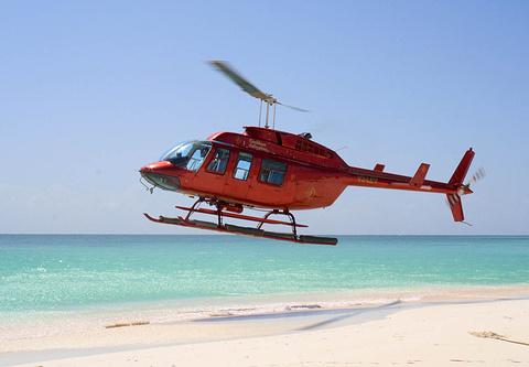 直升机观岛