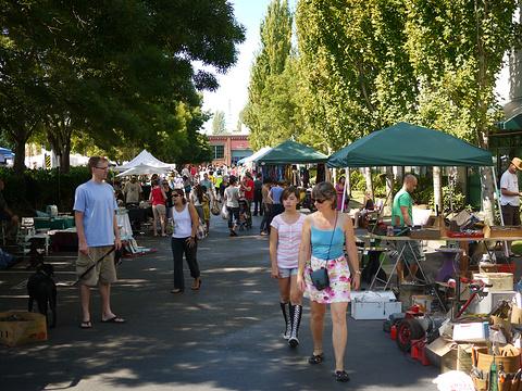Fremont Sunday Market旅游景点图片