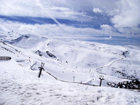 格拉纳达雪山旅游景点图片