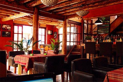 热巢餐厅酒吧