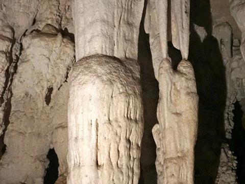 湄拉娜溶洞旅游景点图片