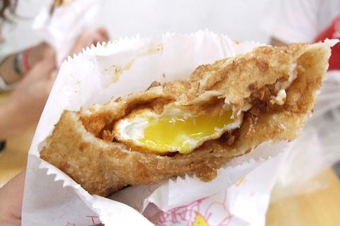 炸蛋葱油饼