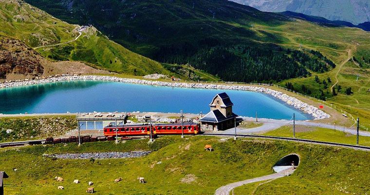 阿尔卑斯山号火车