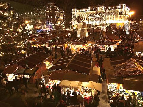 弗洛斯马提广场旅游景点图片