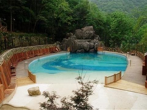 长白山果松森林温泉度假村旅游景点图片