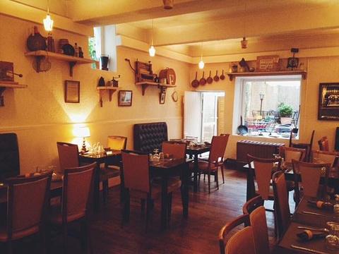 平柄锅与老餐盒餐厅