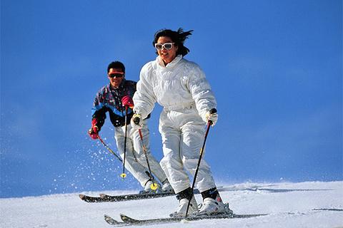崇礼滑雪月